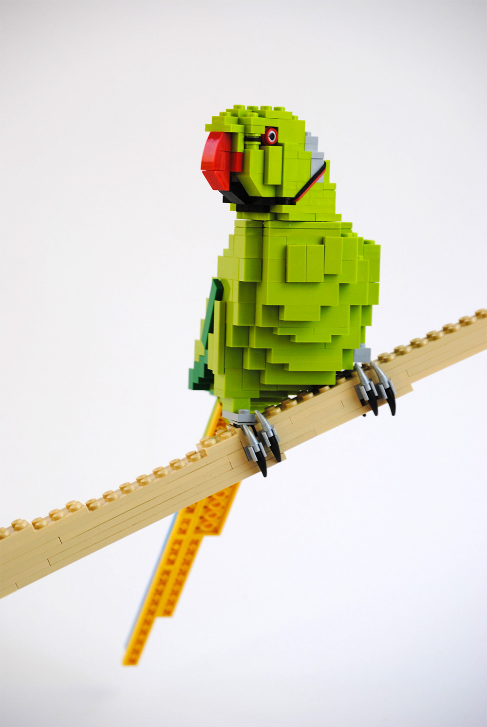 Precisely Crafted LEGO Animals by Felix Jaensch