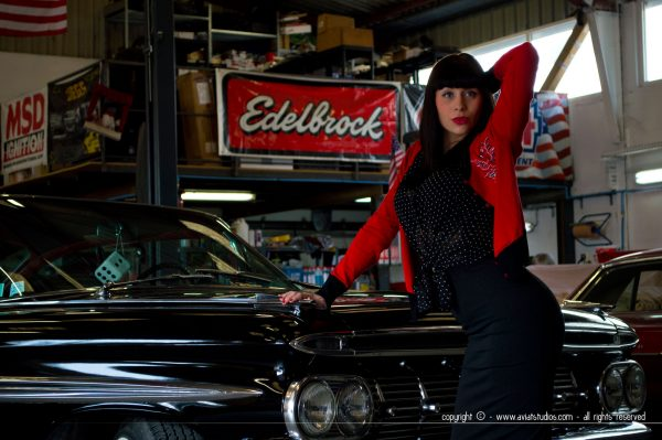 Vintage Cars + Pin-up